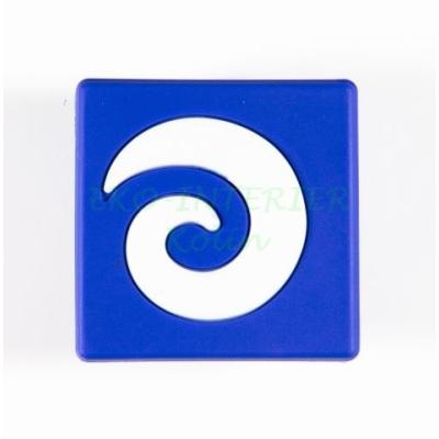 Dětská úchytka gumová kostka modrá